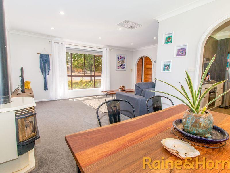 12 Lindsay Place, Dubbo NSW 2830, Image 2