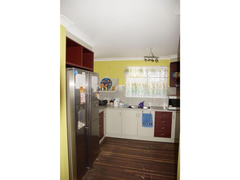 37 Poole Street, Sarina Beach QLD 4737, Image 2