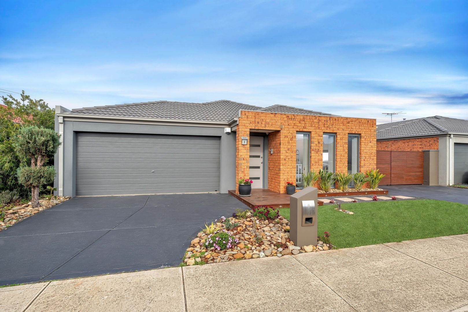 5 Sutton Grove, Melton West VIC 3337, Image 2