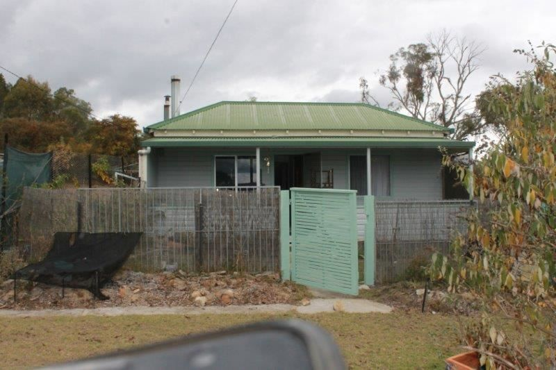 1 Moore Street, Emmaville NSW 2371, Image 0