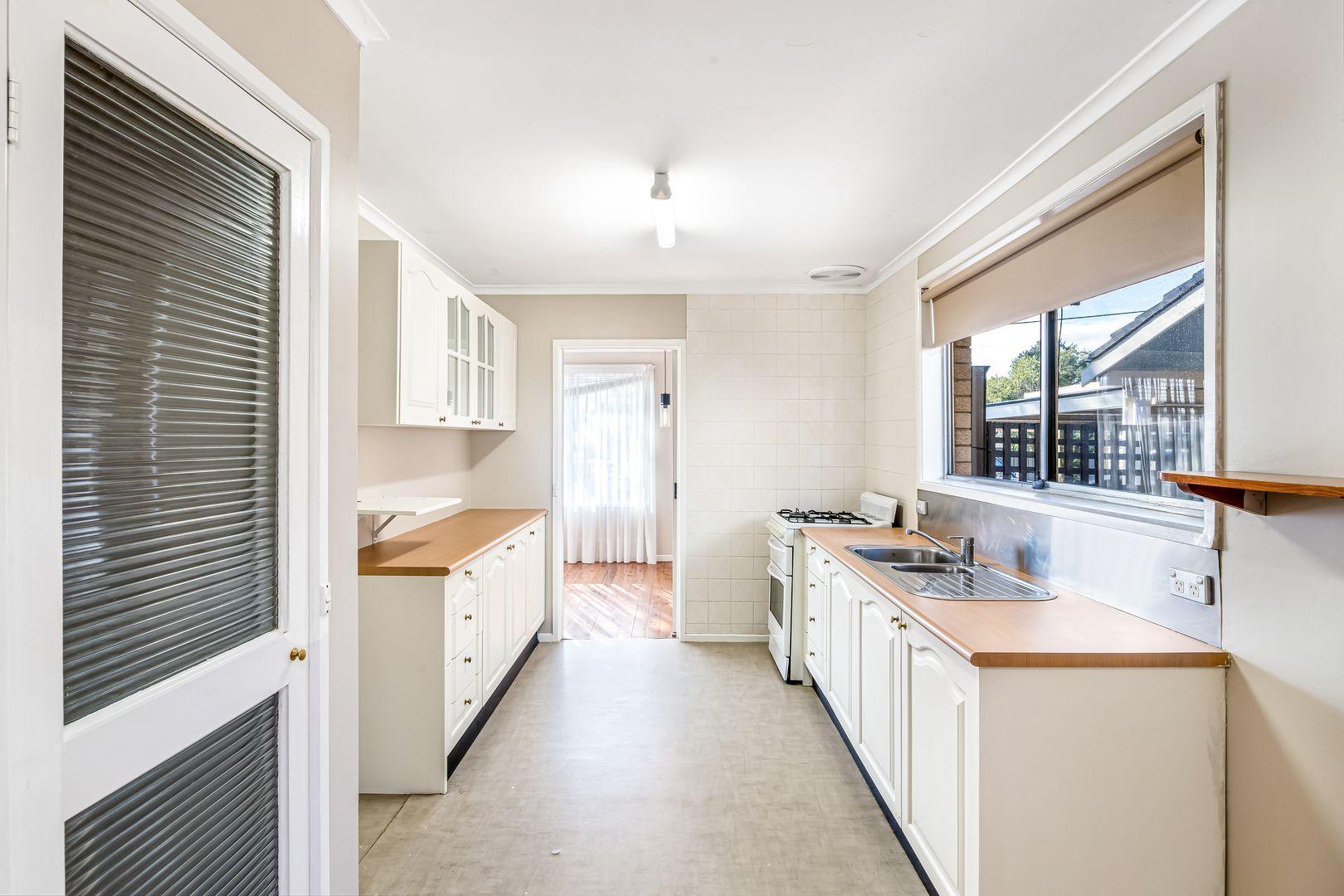 12 Catchpole Avenue, Hobartville NSW 2753, Image 2