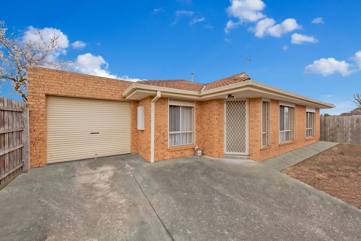 2/32 JAMES Street, St Albans VIC 3021, Image 0
