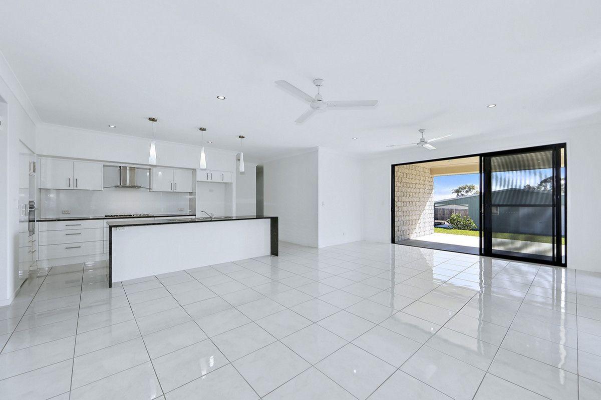 4 Connock Street, Urangan QLD 4655, Image 1