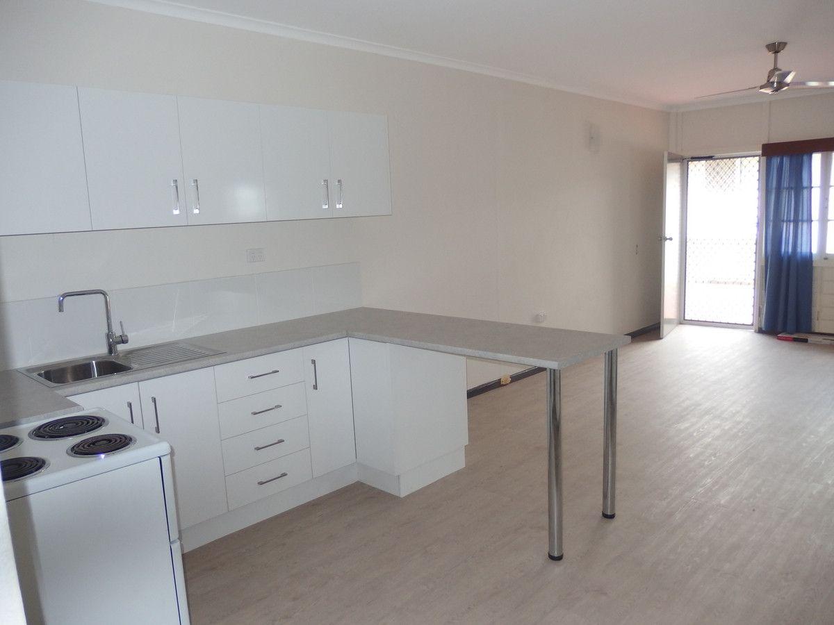4/21 Baxter Street, West End QLD 4810, Image 2