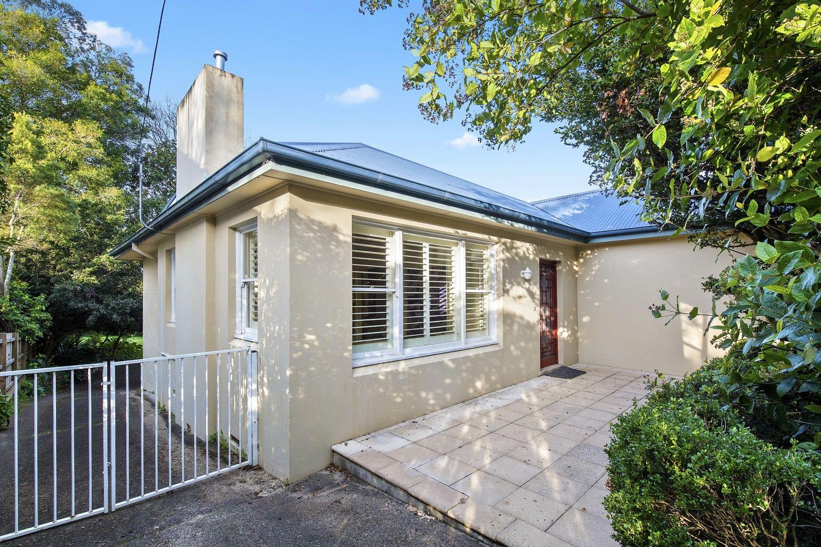 9 Mount Pleasant Avenue, Normanhurst NSW 2076, Image 0