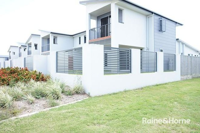 Picture of 1/1 Lancaster Way, OORALEA QLD 4740