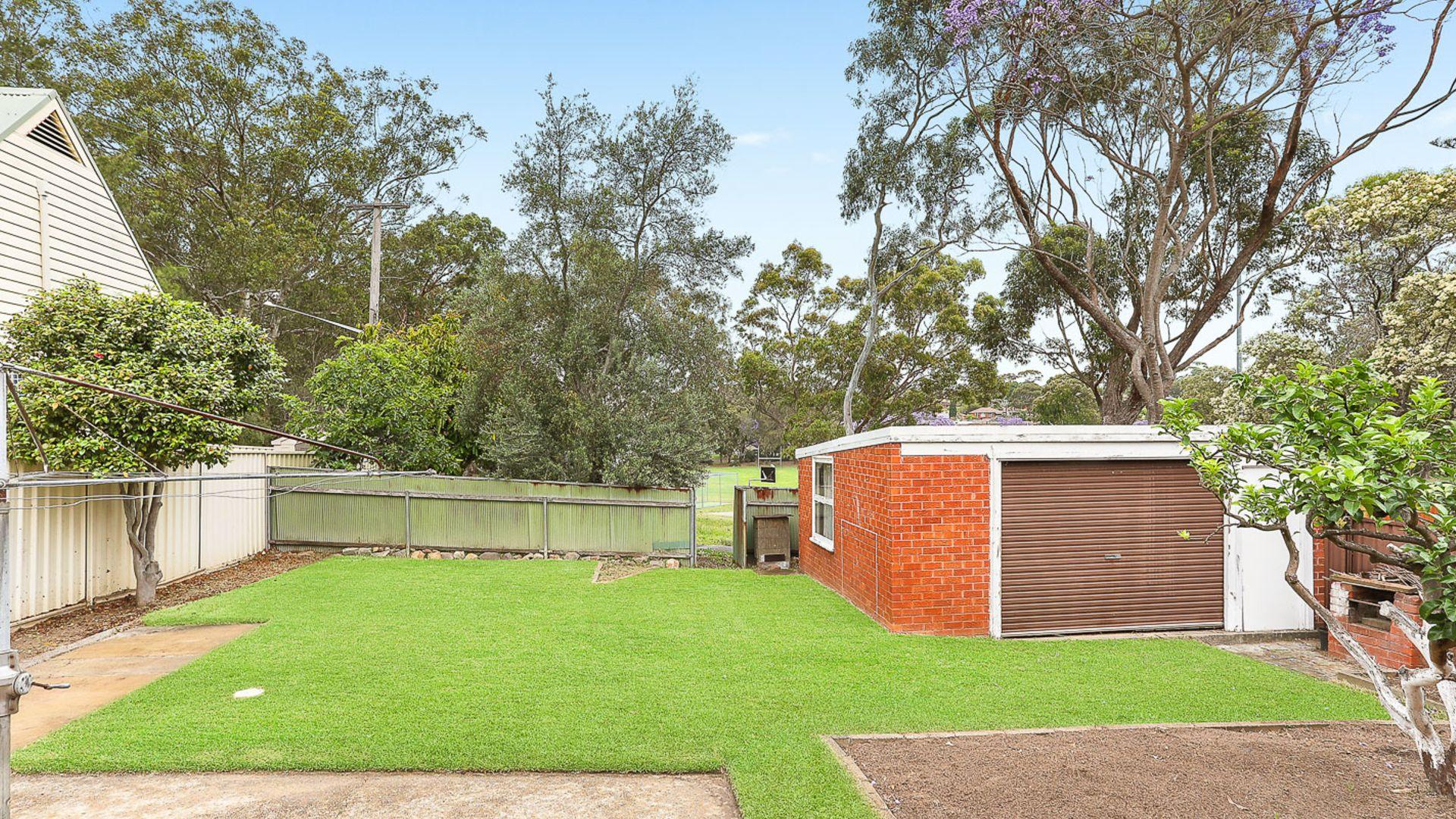 16 Miowera Avenue, Carss Park NSW 2221, Image 2