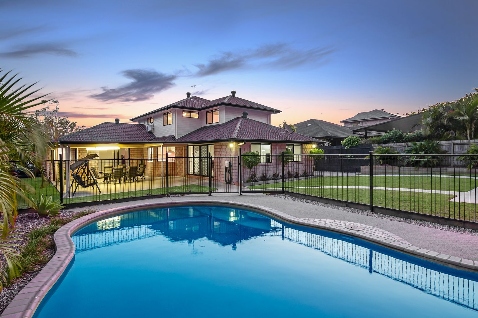38 Eucalypt Place, Heritage Park QLD 4118, Image 1