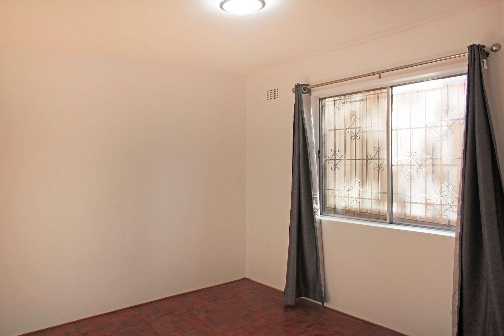1/7 Cambridge Street, Gladesville NSW 2111, Image 2