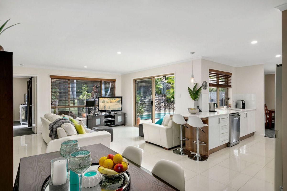 8 Parkdale Court, Parkwood QLD 4214, Image 2