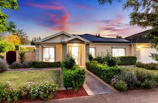 Picture of 6 Creekbank Place, Caroline Springs VIC 3023