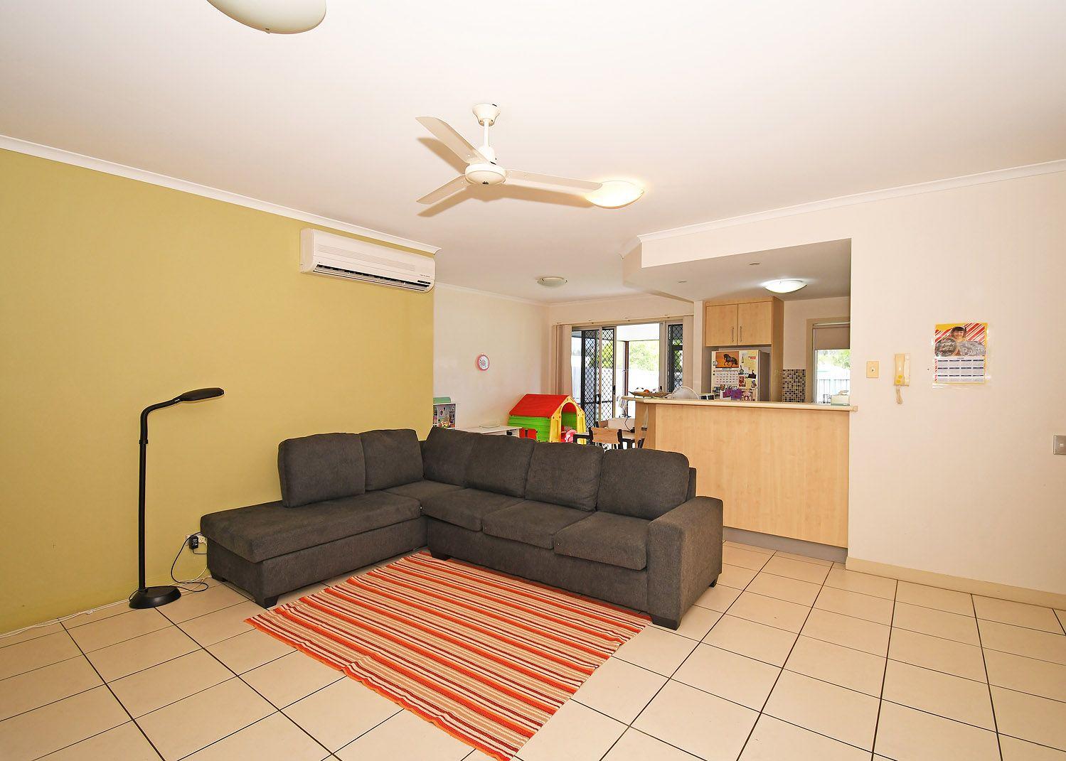 4/230 Pulgul Street, Urangan QLD 4655, Image 2