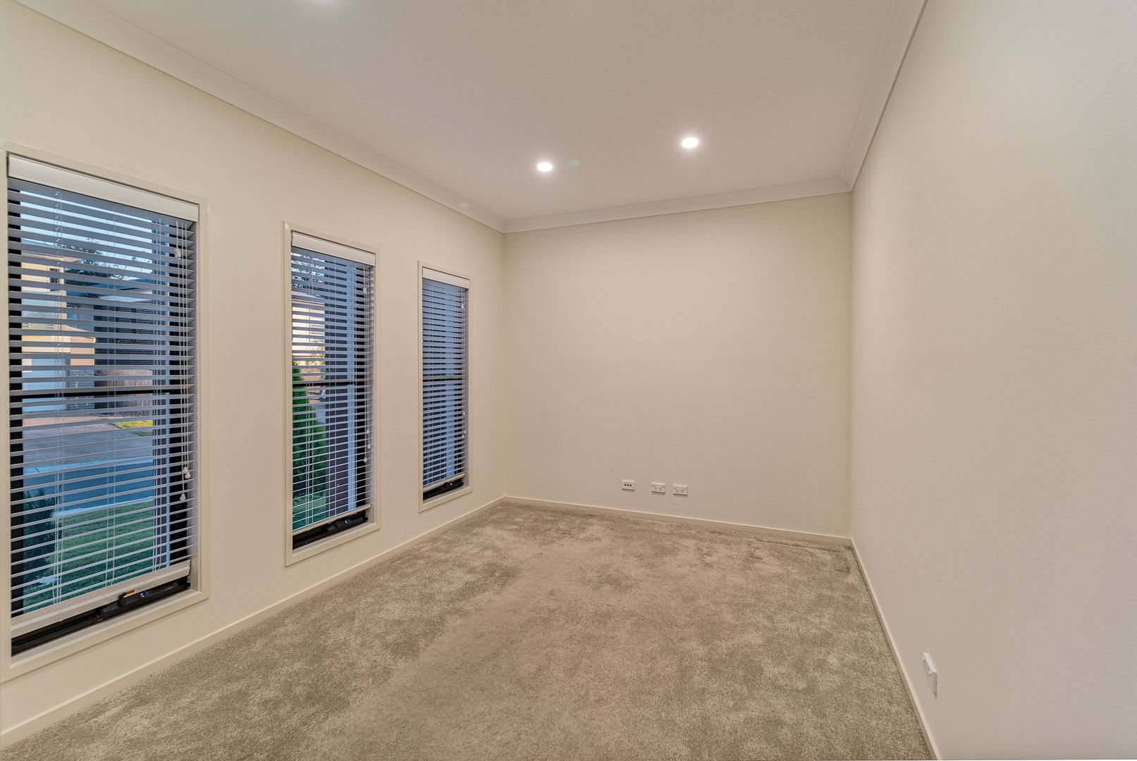 8 Jacaranda Crescent, Drewvale QLD 4116, Image 1