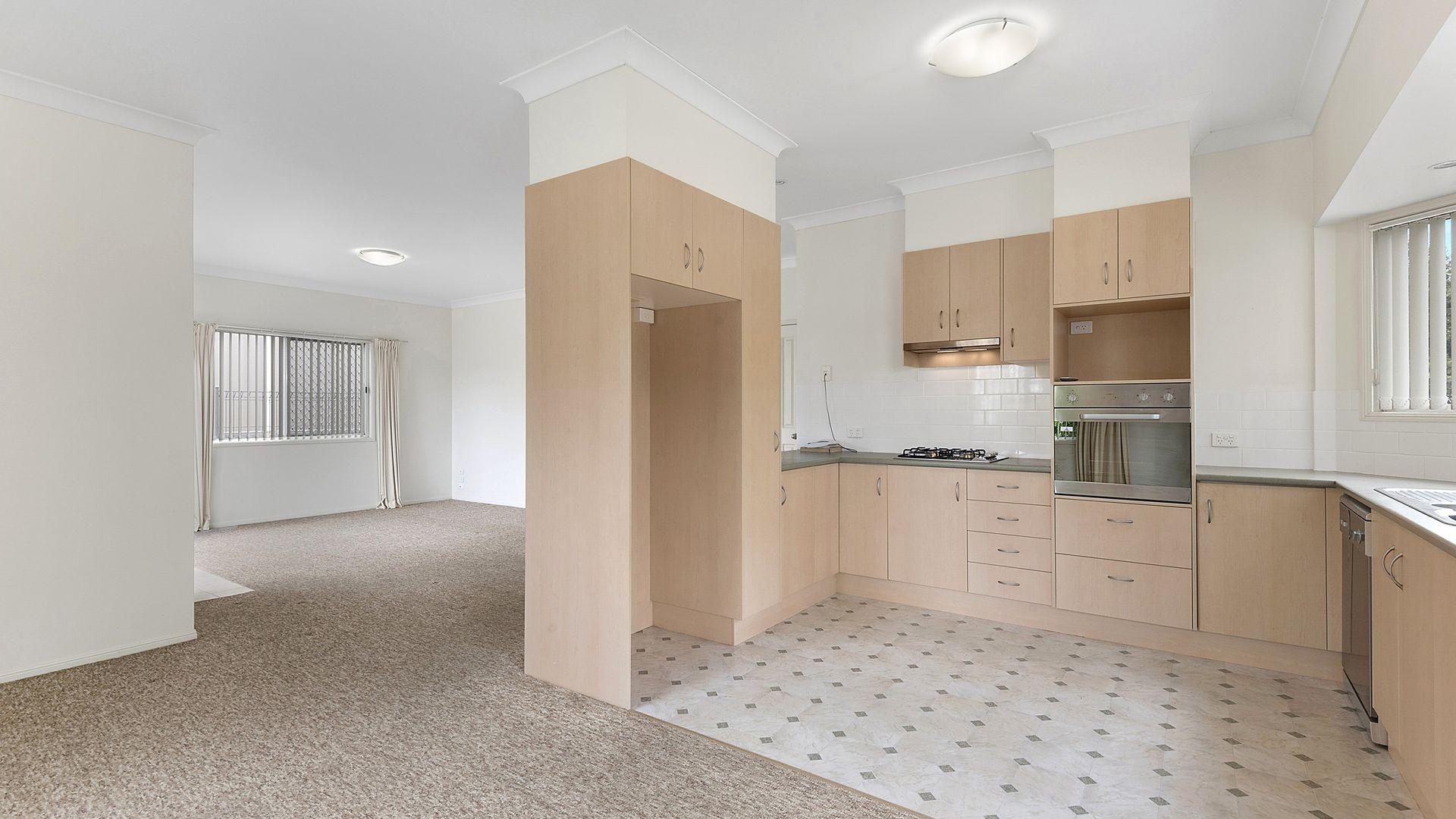 219/530 Bridge Street, Wilsonton QLD 4350, Image 2