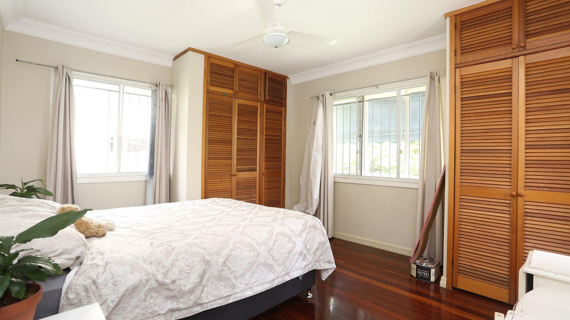 58 Beverley Hill Street, Tennyson QLD 4105, Image 2