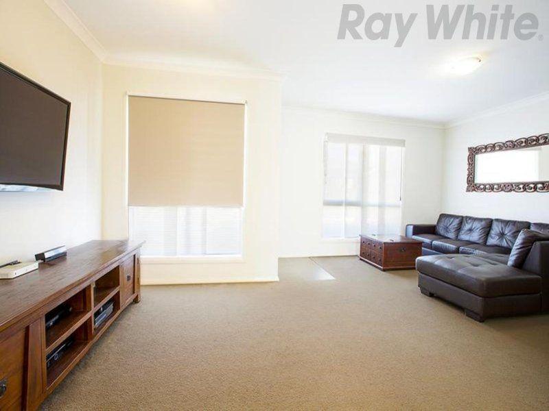 6 Jessie Street, Middleton Grange NSW 2171, Image 1