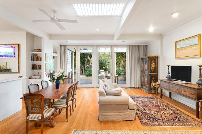 Picture of 32 Chatsworth Road, PRAHRAN VIC 3181