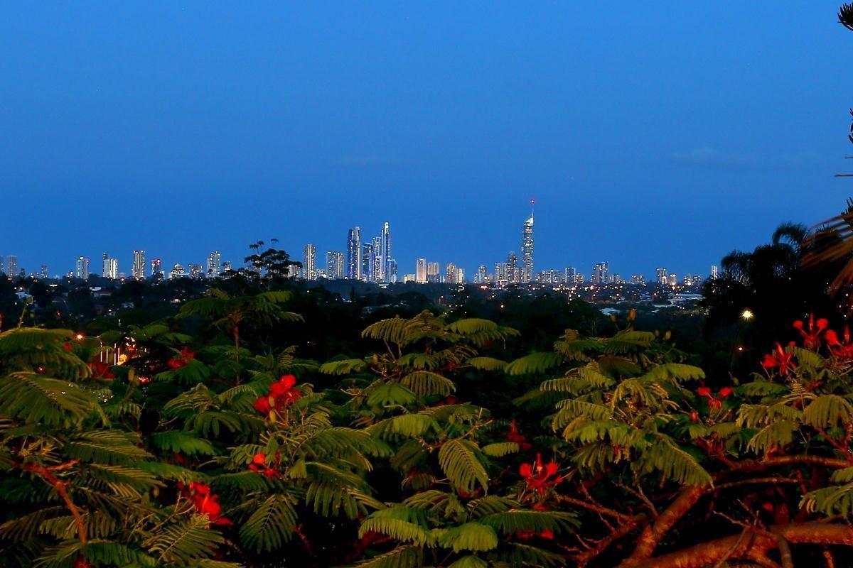 28 Jabiluka Drive, Highland Park QLD 4211, Image 2