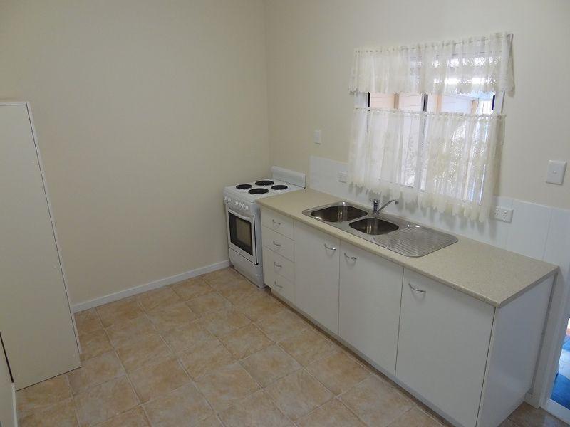 2/149 Anzac Avenue, Harristown QLD 4350, Image 1