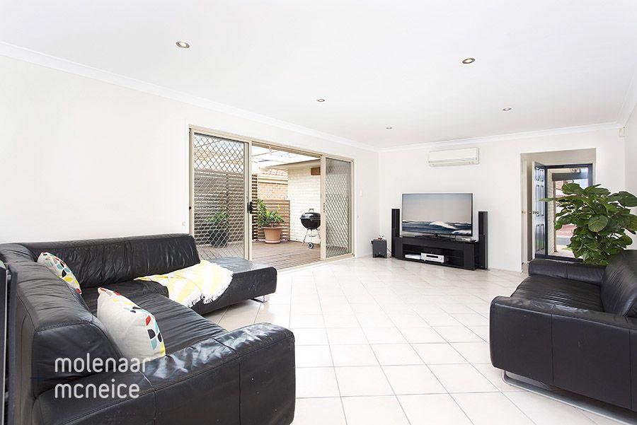 8 Hickory Street, Woonona NSW 2517, Image 2