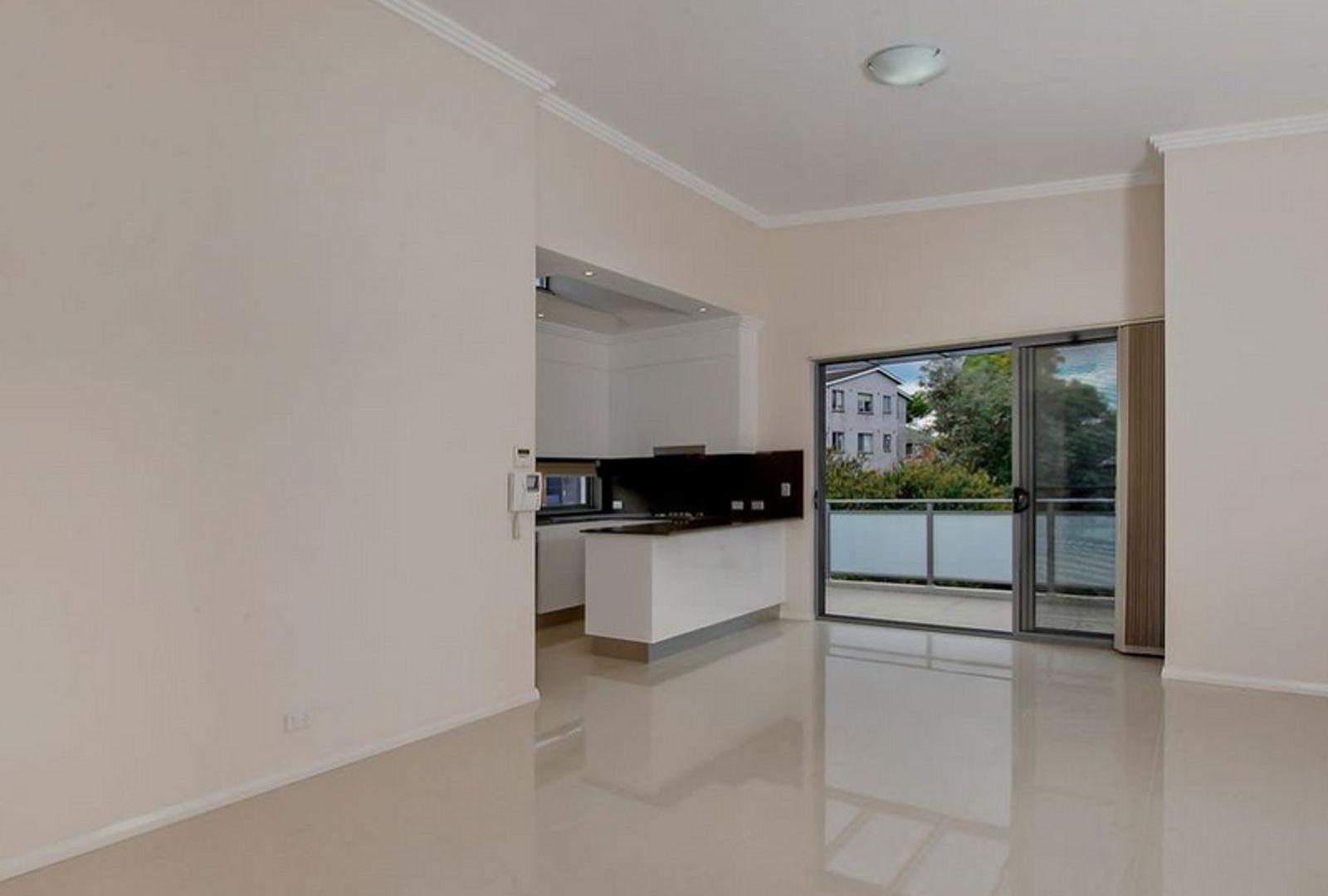 8/241 Blaxland Road, Ryde NSW 2112, Image 2