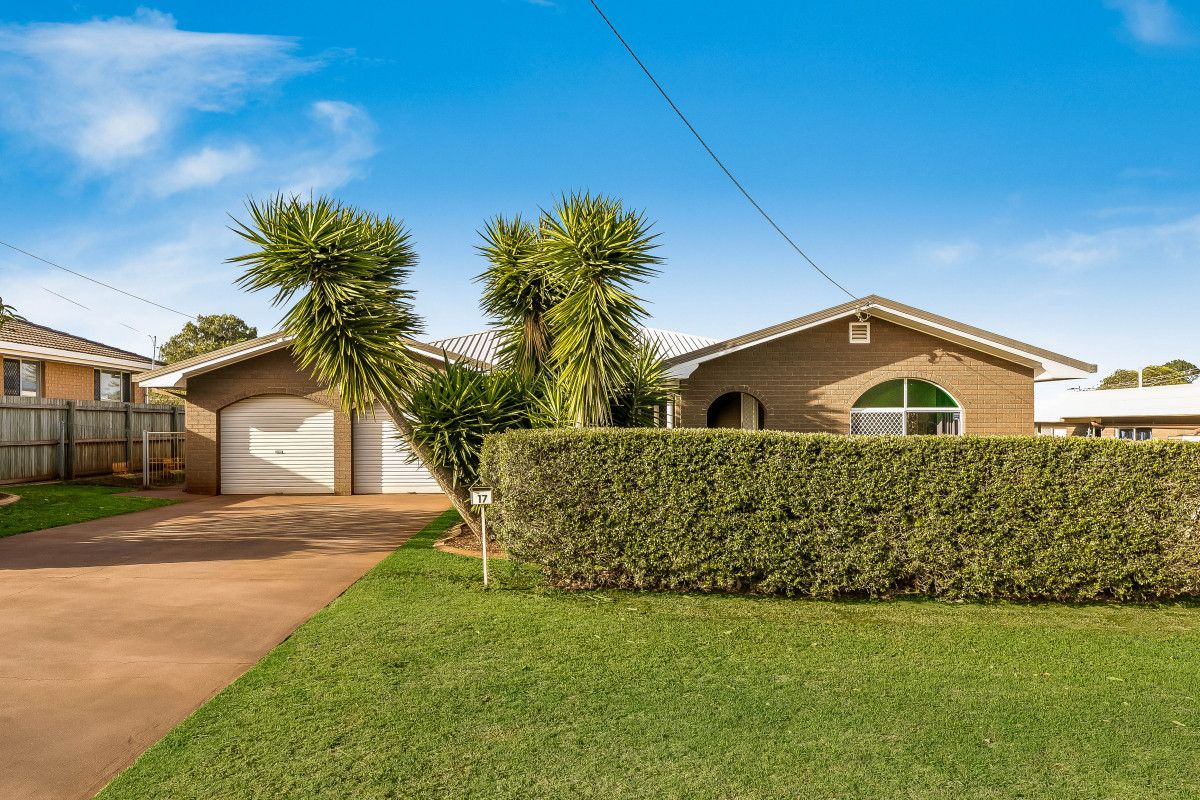 17 Knockator Crescent, Centenary Heights QLD 4350, Image 1