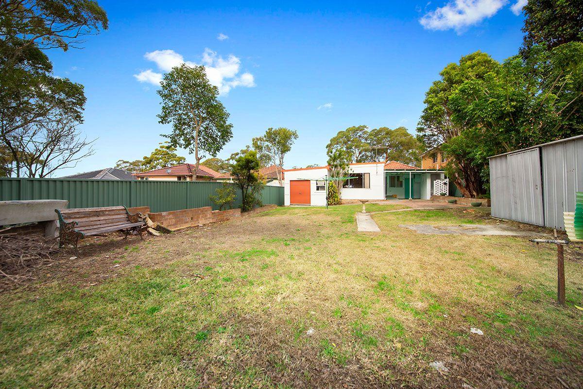 9 Wyralla Rd, Yowie Bay NSW 2228, Image 2