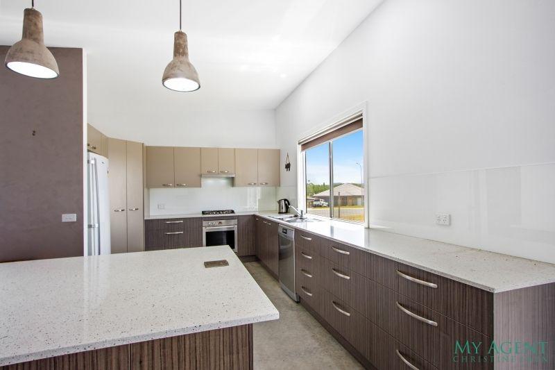 4 Dr King Close, Moruya NSW 2537, Image 1