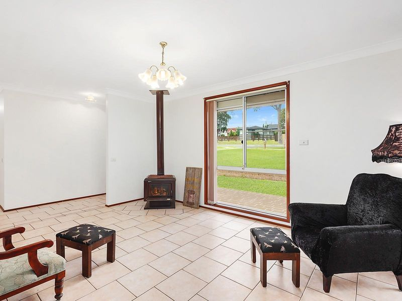 867 Montpelier Drive, The Oaks NSW 2570, Image 1
