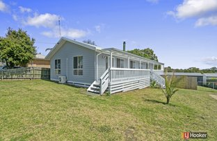 Picture of 10 Capes Road, Lakes Entrance VIC 3909