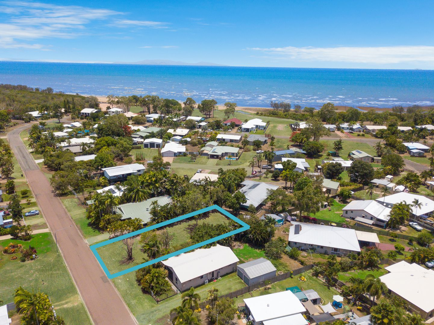 10 Borton Street, Balgal Beach QLD 4816, Image 0