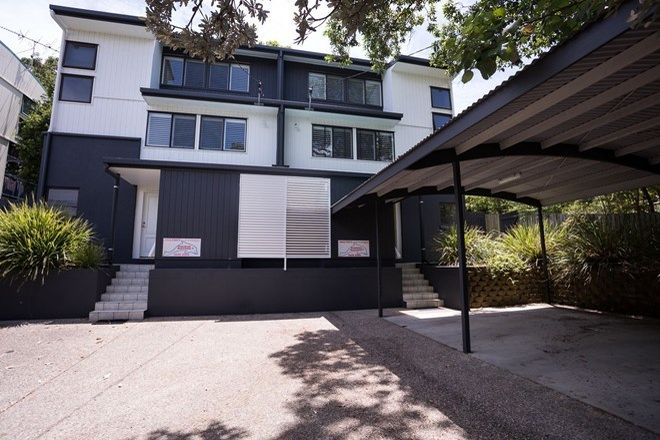 Picture of 2/64 Mooloomba Rd, POINT LOOKOUT QLD 4183