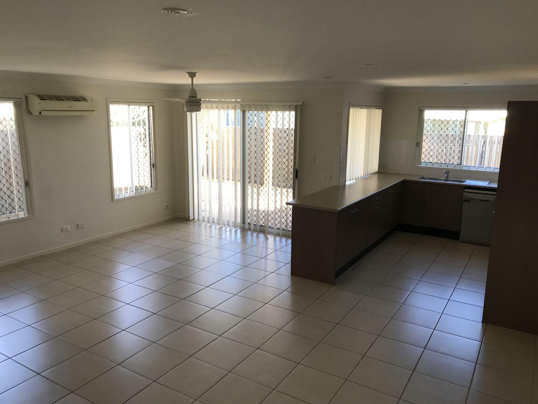27/6 Sullivan Street, Emerald QLD 4720, Image 2