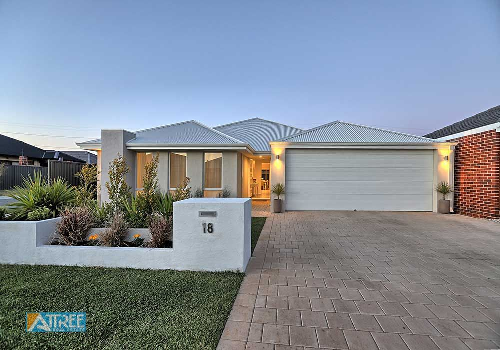 18 Escada Way, Piara Waters WA 6112, Image 1