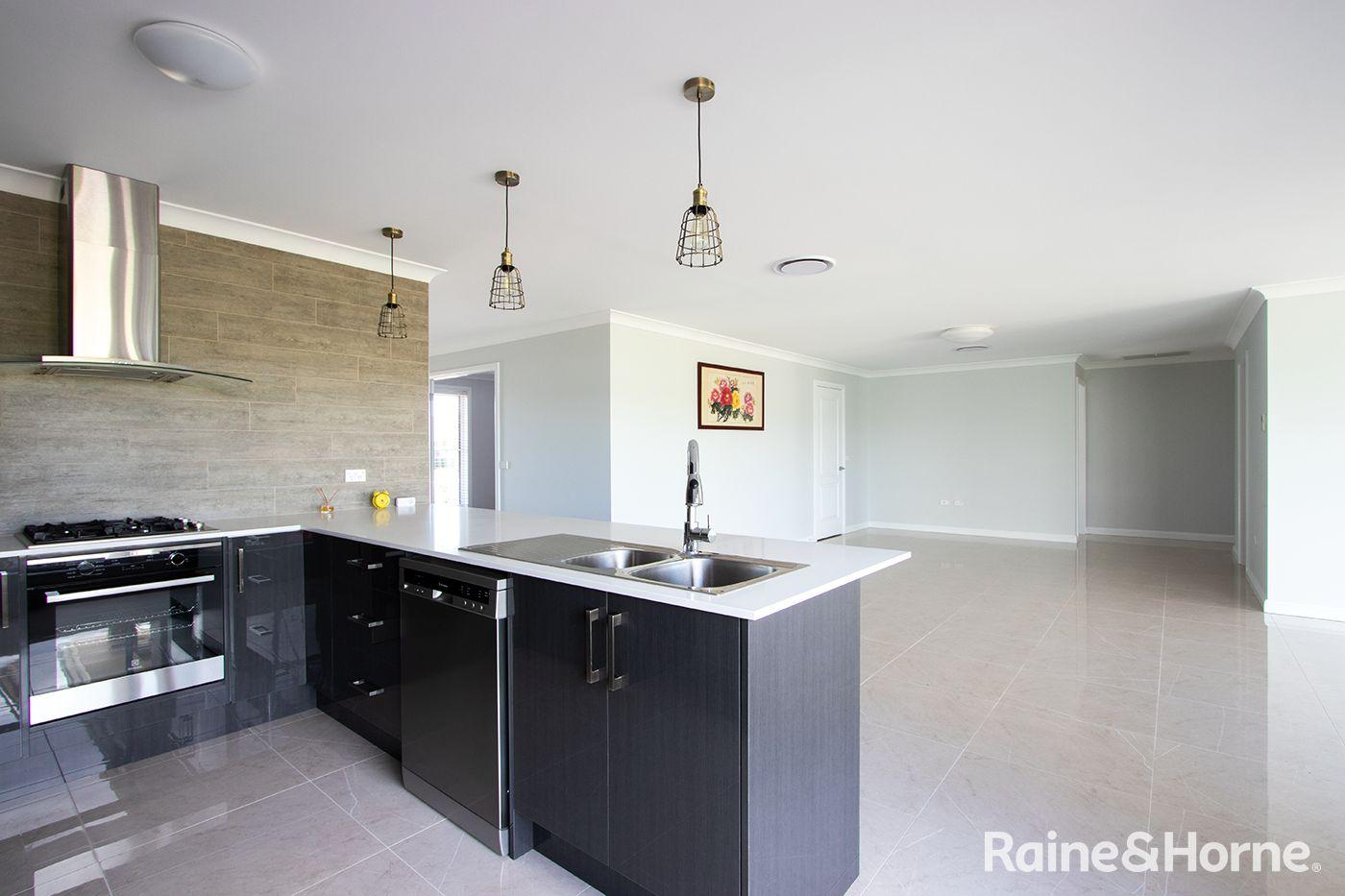 17 Fraser Drive, Eglinton NSW 2795, Image 1