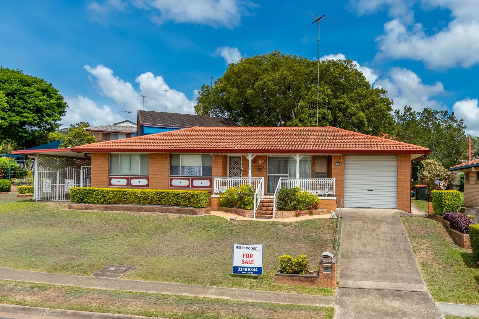 34 Honeysuckle St, Mansfield QLD 4122, Image 0