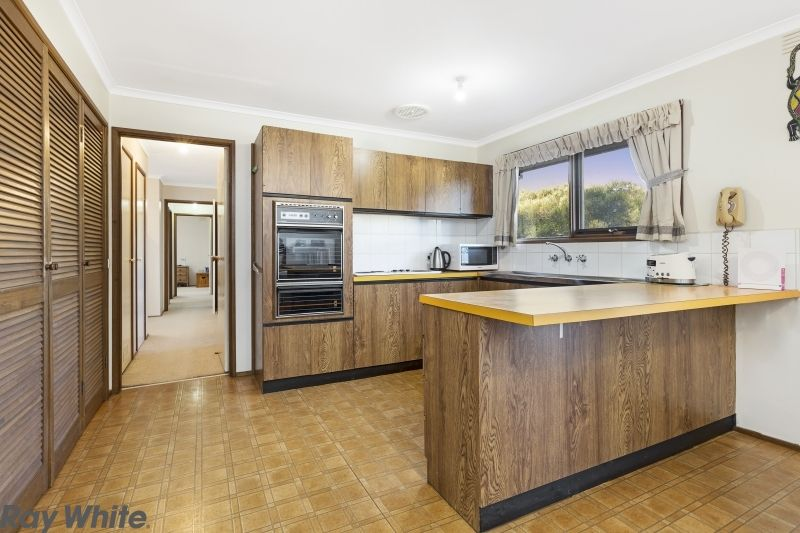 8 Clifton Drive, Lancefield VIC 3435, Image 1