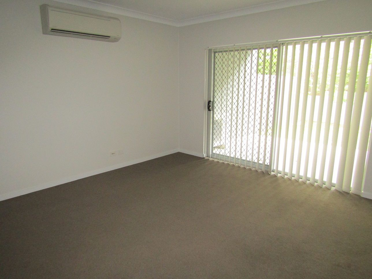 2/37 Palmer Street, Greenslopes QLD 4120, Image 2