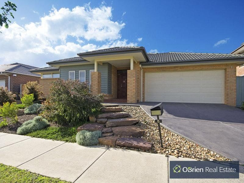 8 Grand Manor Drive, Berwick VIC 3806, Image 1