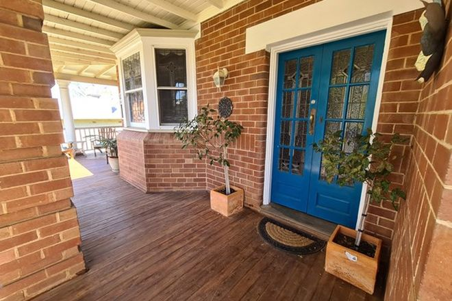 Picture of 14 East Street, PARKES NSW 2870