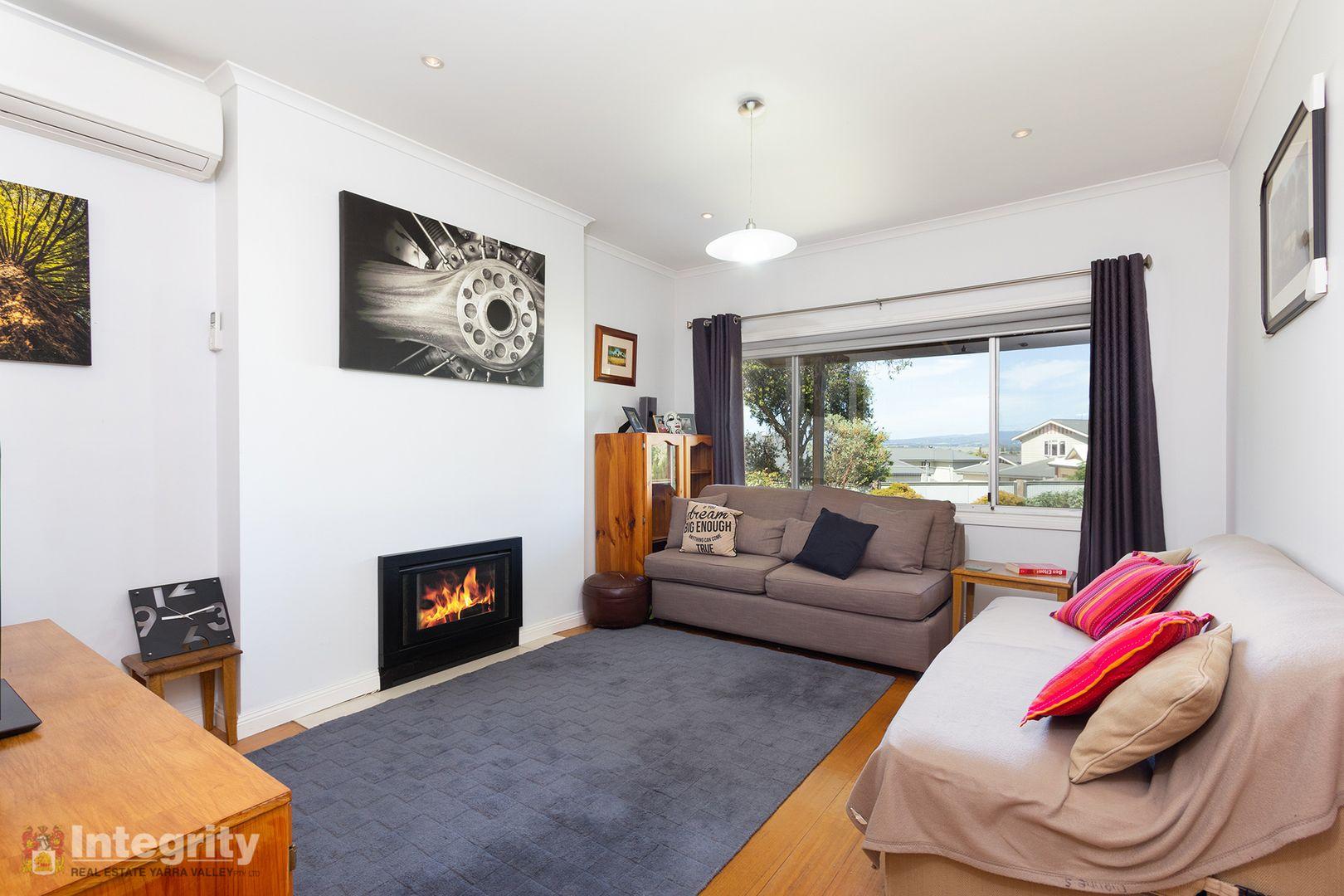 5 Irvine  Crescent, Yarra Glen VIC 3775, Image 2