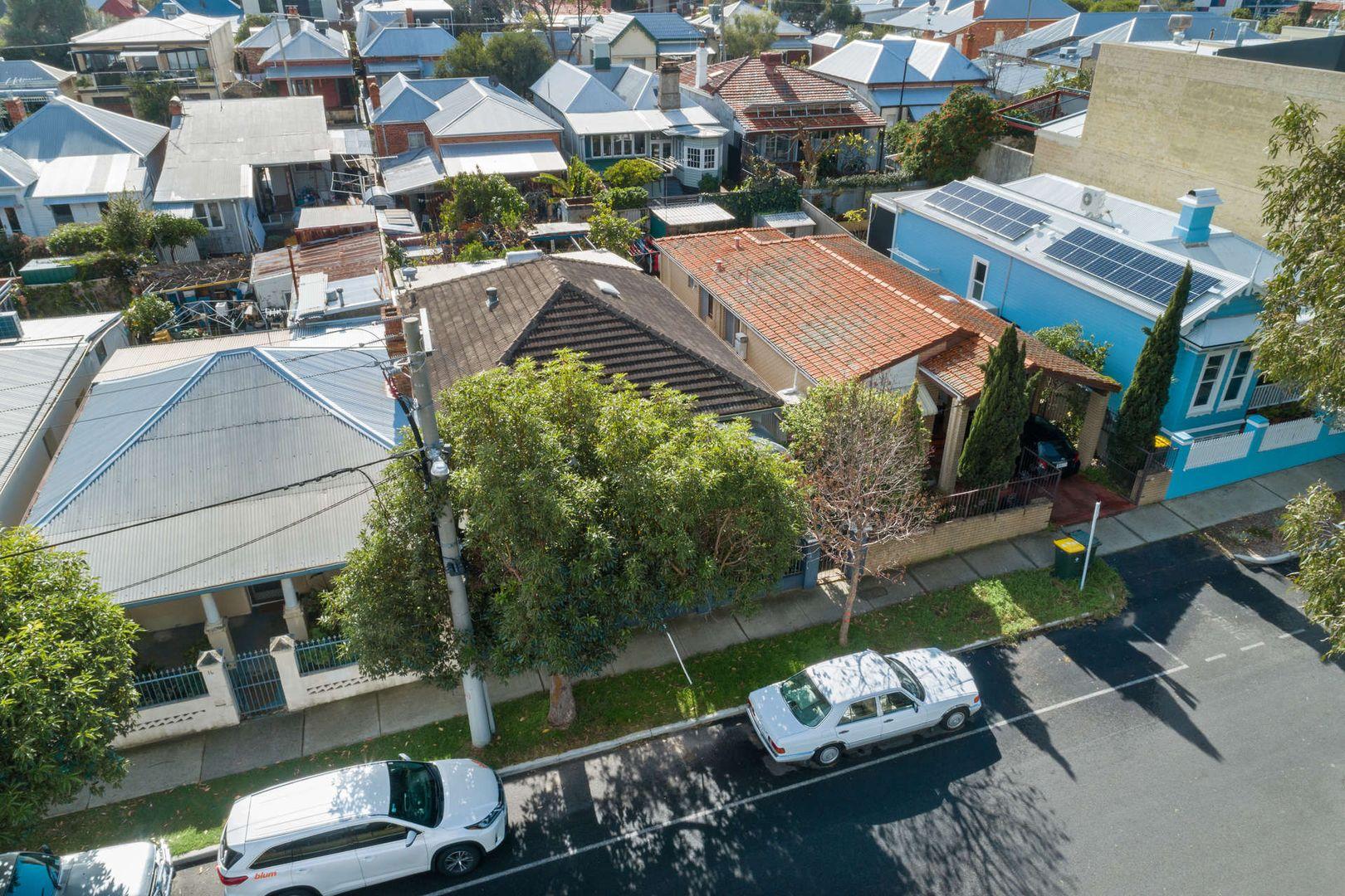 12 Randell Street, Perth WA 6000, Image 2