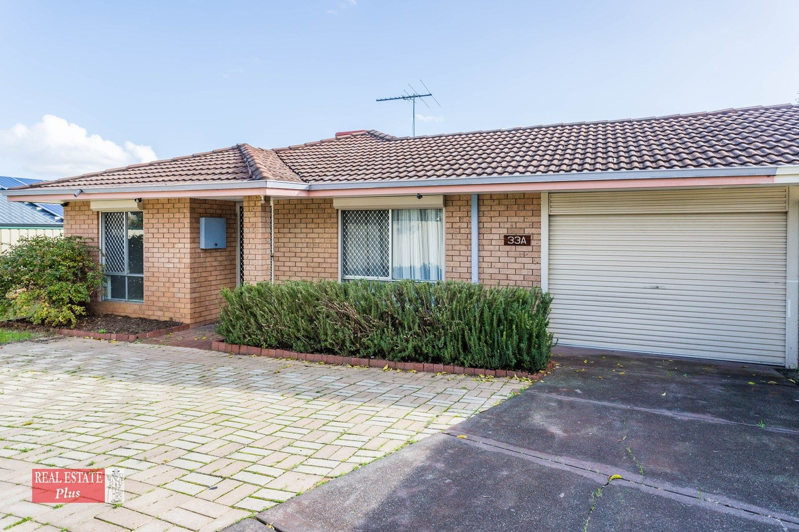 33A Myles Road, Swan View WA 6056, Image 0