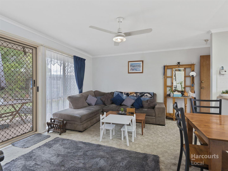 16 Sundowner Street, Regents Park QLD 4118, Image 2