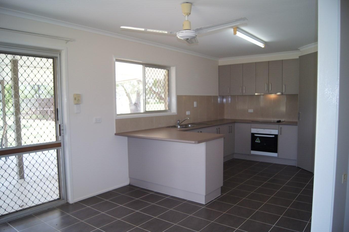 11 Mizpah Drive, Chinchilla QLD 4413, Image 2