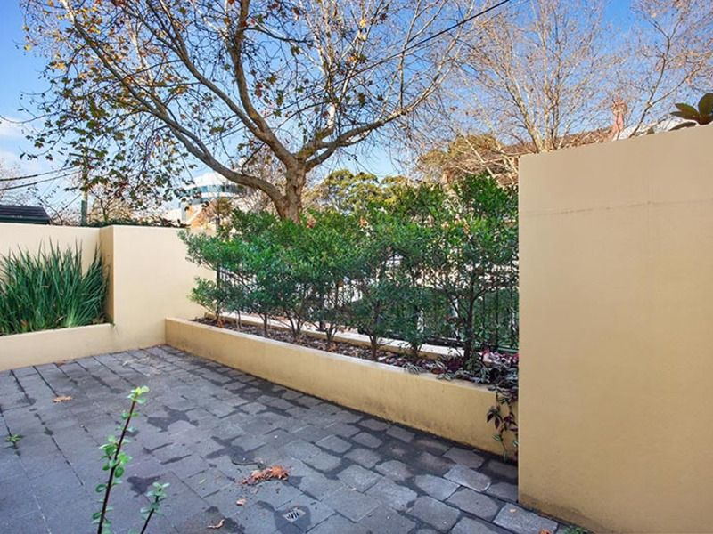 2/18 Ridge Street, North Sydney NSW 2060, Image 2