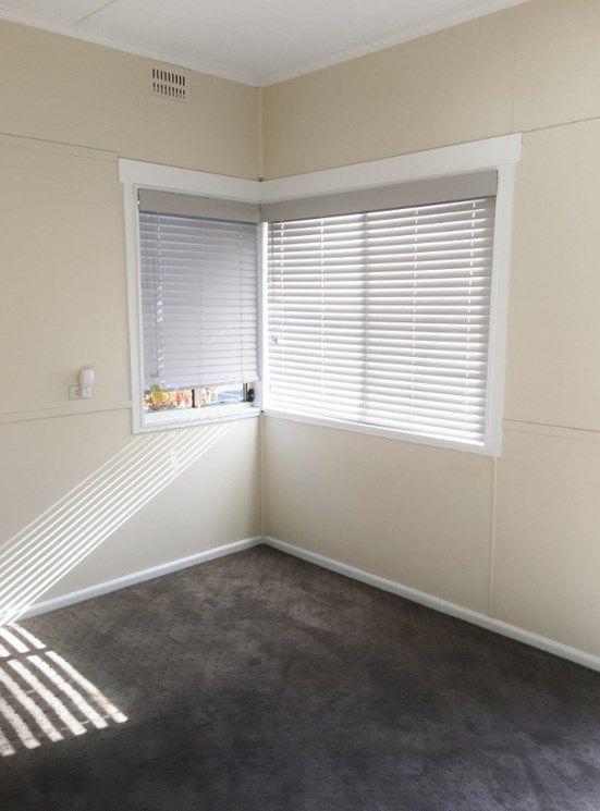 52 Natuna Avenue, Budgewoi NSW 2262, Image 2