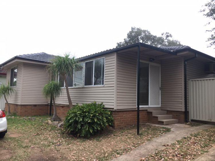 16 Dampier Crescent, Fairfield West NSW 2165, Image 0