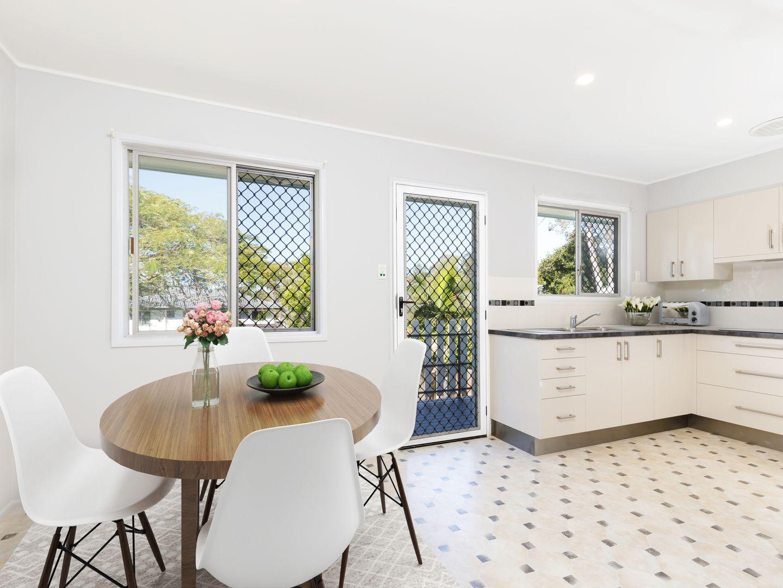27 Glenore Street, Mitchelton QLD 4053, Image 2