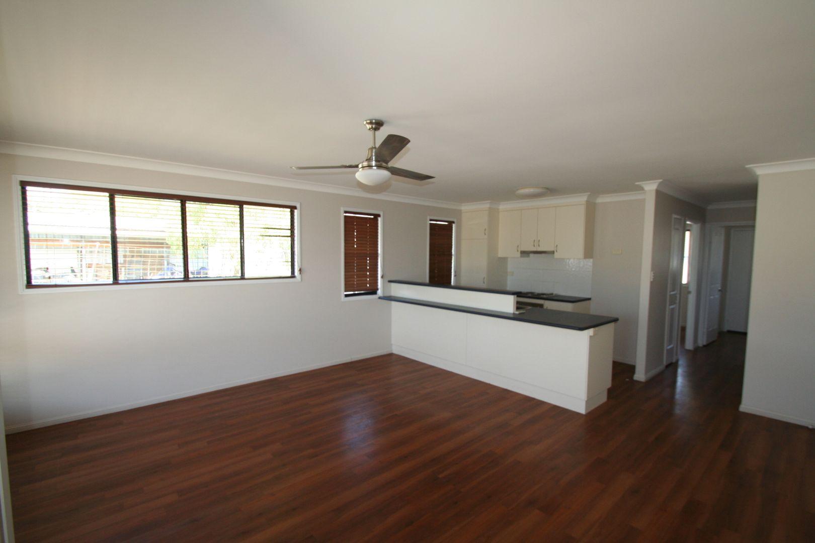 4/6 Burn Street, Capella QLD 4723, Image 1